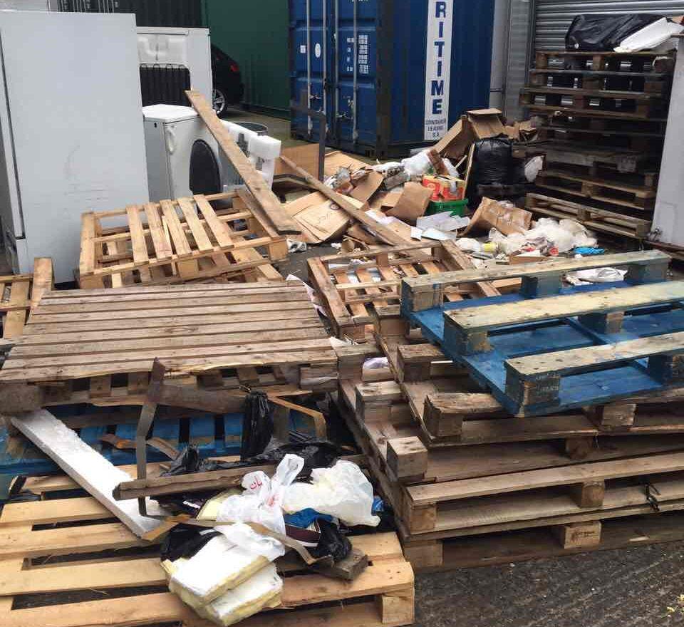 Rubbish Collectors in W1