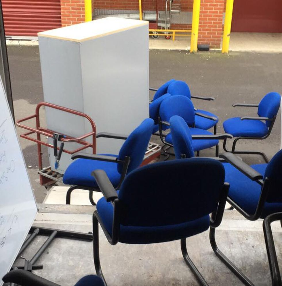 Rubbish Collectors in HP8