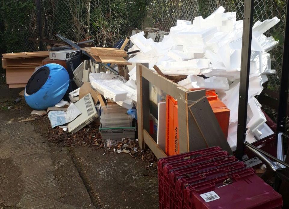 Builders Waste Collection E16